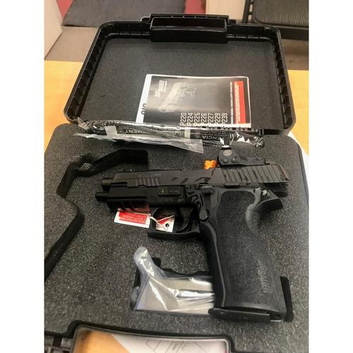 "Sig Sauer P226 RX Semi-Auto Pistol, 9mm, 4.4"" Barrel, Black 1-Piece Ergo Grip, Black Hard Coat Anodized Finish, 10 Rounds, with ROMEO1 Reflex Sight, 226R-9-BSS-RX?>"