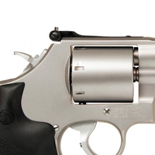 "Smith & Wesson 686 Plus Pro Series Revolver .357 Magnum 5"" Barrel 7 Rounds Stainless Steel Frame Satin Stainless Finish, Vented Barrel, Adjustable Sights 11760?>"