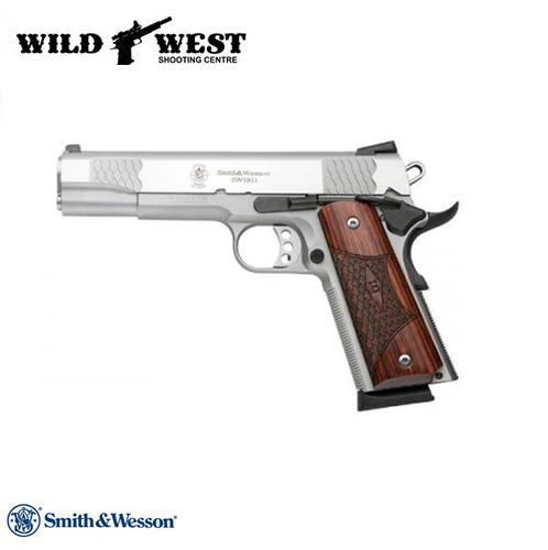 Smith & Wesson 1911 E-Series .45 ACP?>
