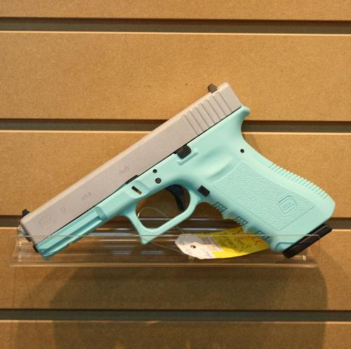 GLOCK 17 Gen 3 Tiffany & Co. 9mm?>