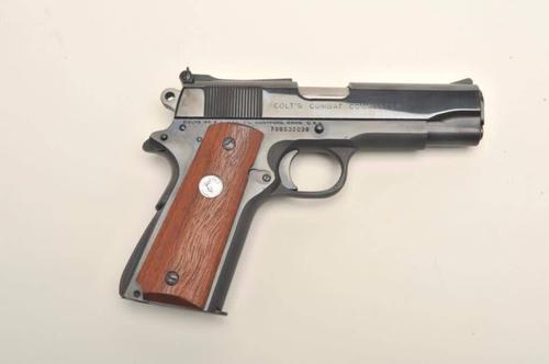 Colt Colt Commander Semi Auto Pistol 9MM, 4.25 in, Wood Grp, 9+1 Rnd, High Profile with Dots, Full Sz Blued Frame?>