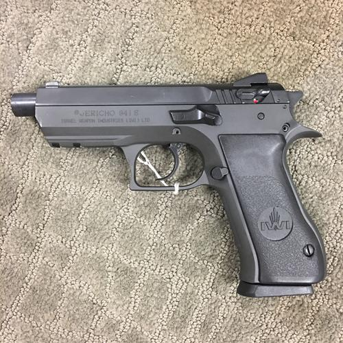 MAGNUM RESEARCH-IWI Jericho 941S Baby Eagle 4.5″ Barrel 9mm range kit?>